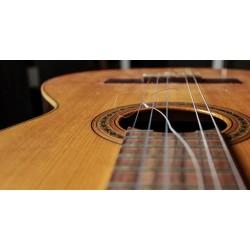 Changement de cordes sur guitare classique
